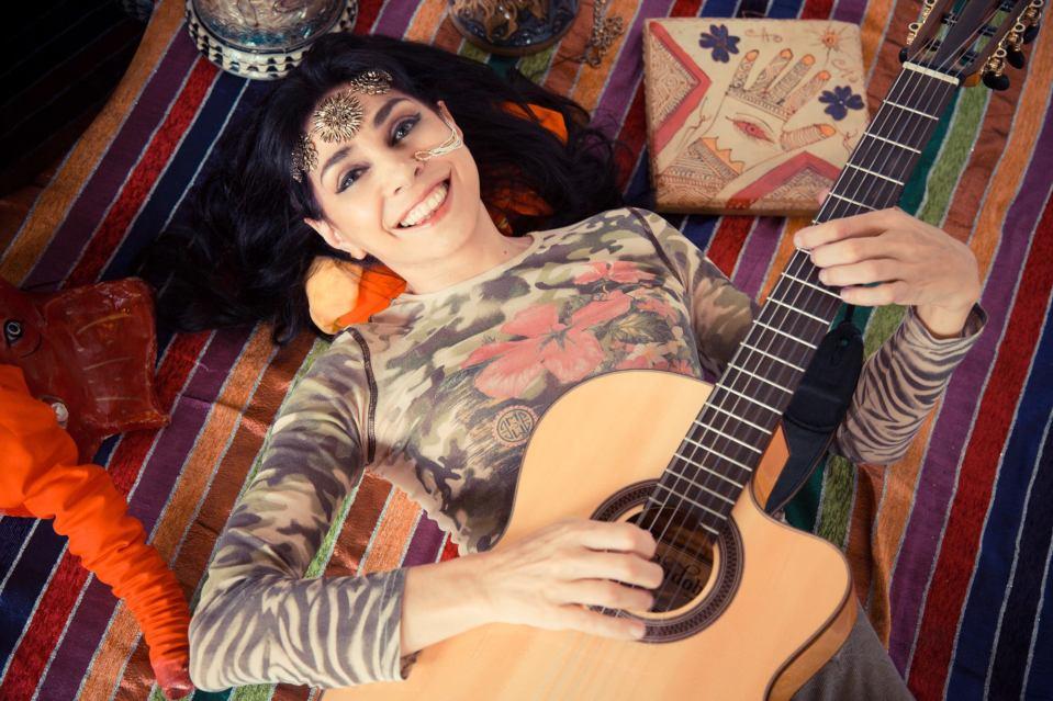 amanda guitar